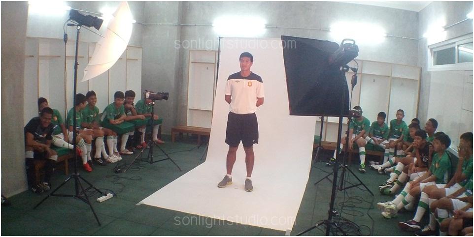 เช่าไฟสตูดิโอ และฉากขาว ถ่ายภาพนักฟุตบอลเยาวชน ทีมบางกอกกลาส BGFC