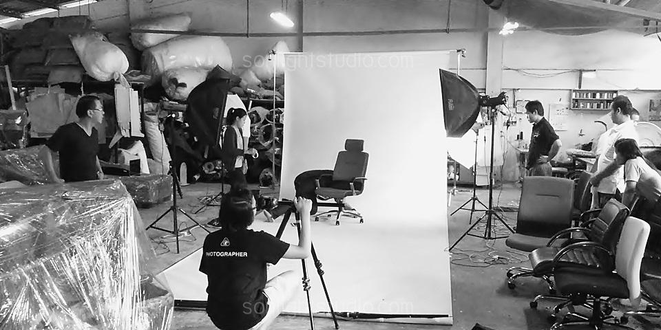 การเช่าไฟสตูดิโอ และ setup เพื่อถ่ายสินค้า เก้าอี้สำนักงาน