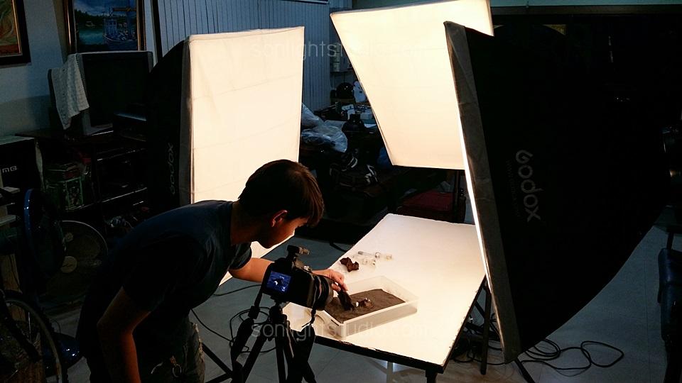 ถ่ายภาพนิ่งแหวนเงิน เพื่อใช้ทำโฆษณา ใช้ไฟสตูดิโอ3ดวง
